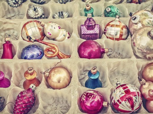 Different ways of using Christmas Ornaments